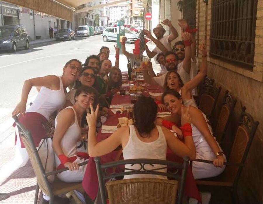 Almorzar en sanfermines en Pamplona